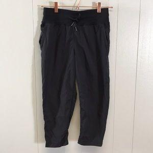 Lululemon Size 4 Black Capri Pants